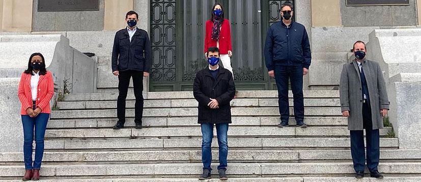 Protesta simbólica del CITOP ante la cesión del Grado de Ingeniería Civil de la UPM